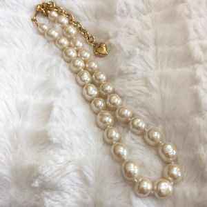 Carolee Freshwater Pearl necklace